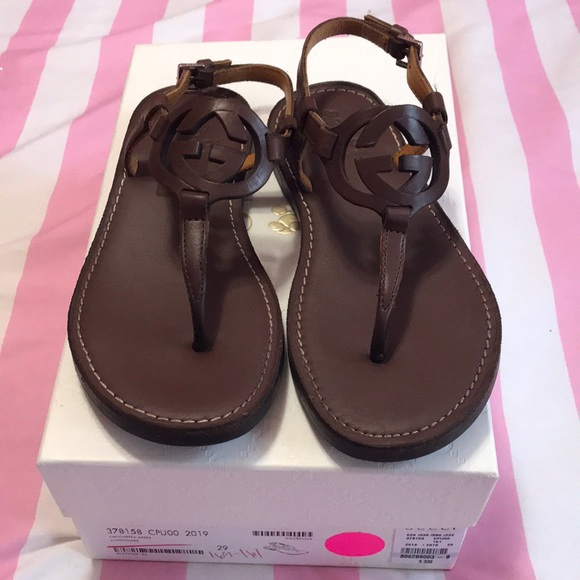 b2e0c782 Gucci leather sandals for little girls